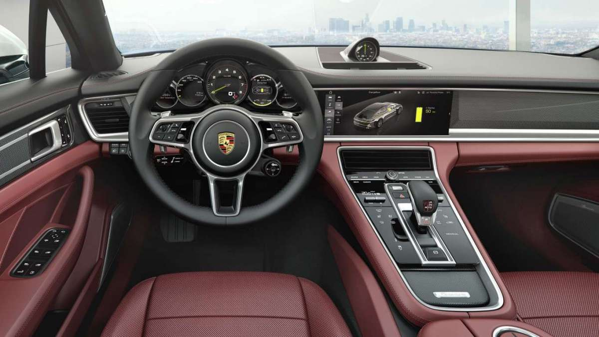 Interni di nuova Porsche Panamera Executive