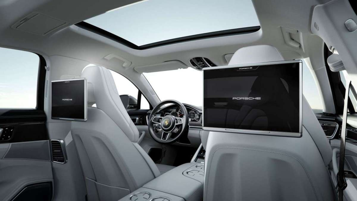 Nuova Porsche Panamera Executive, tablet