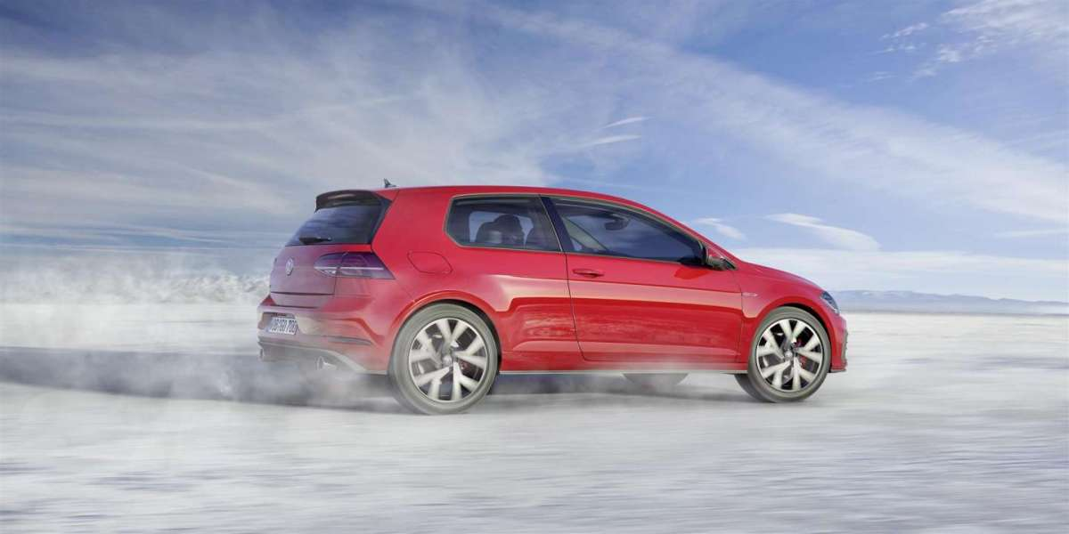Laterale Volkswagen Golf 2017 restyling