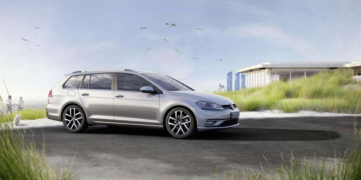 Volkswagen Golf 2017 restyling dimensioni