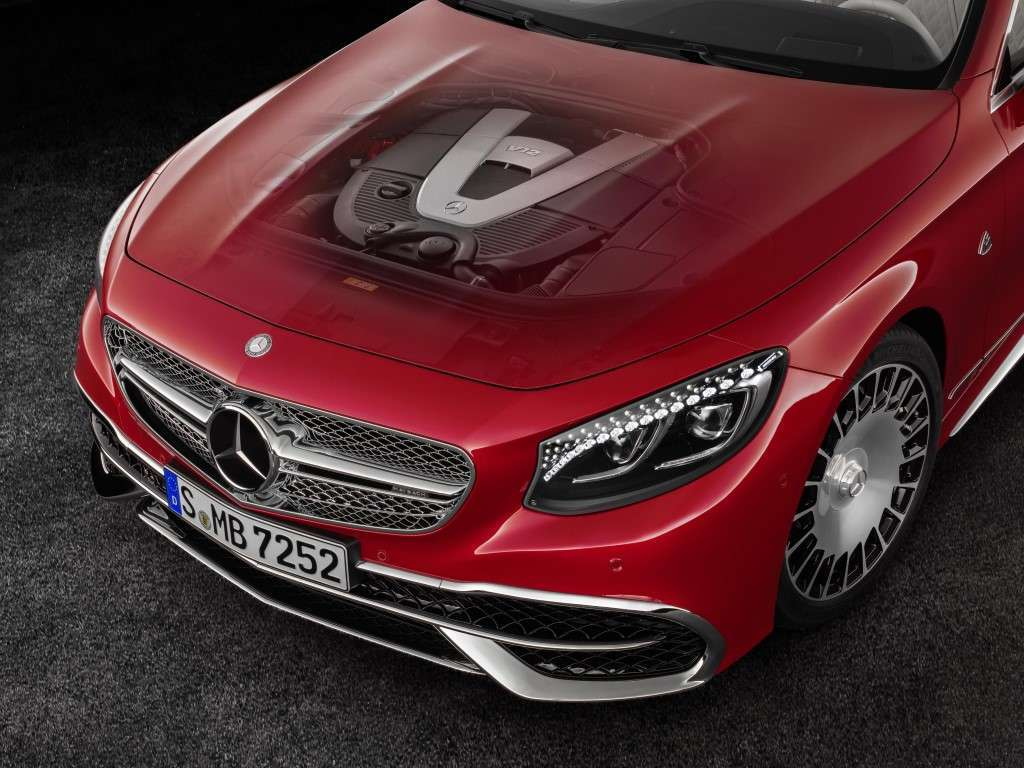 Motore di Mercedes Maybach S650 Cabriolet