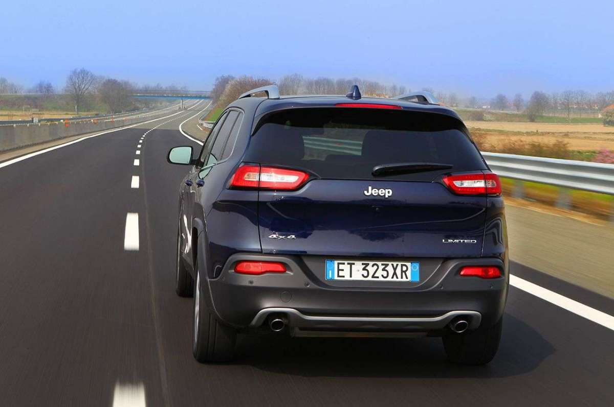 Jeep Cherokee Limited posteriore