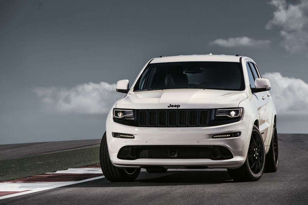 Jeep Grand Cherokee SRT Night