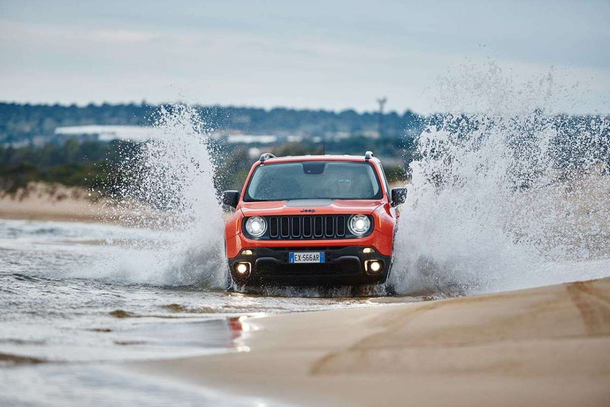 Jeep Renegade Trailhawk guado