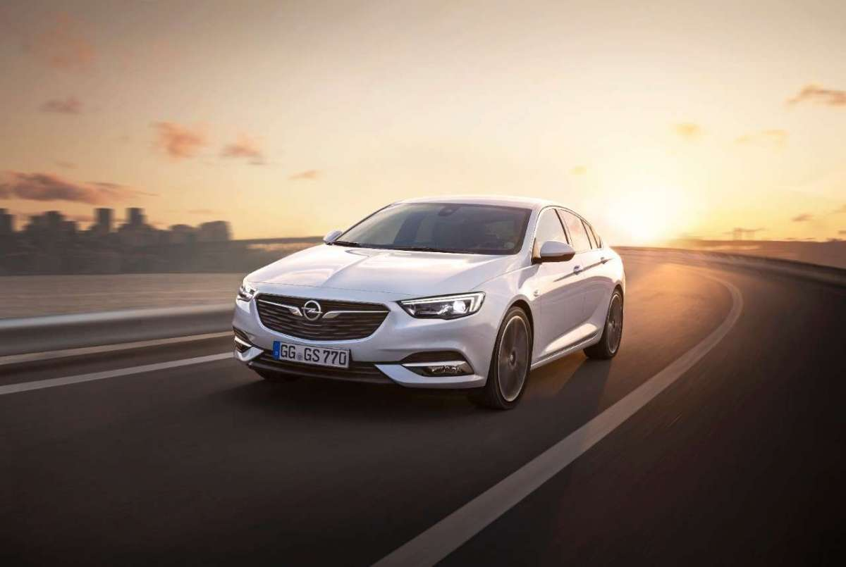 Opel Insignia Grand Sport, berlina