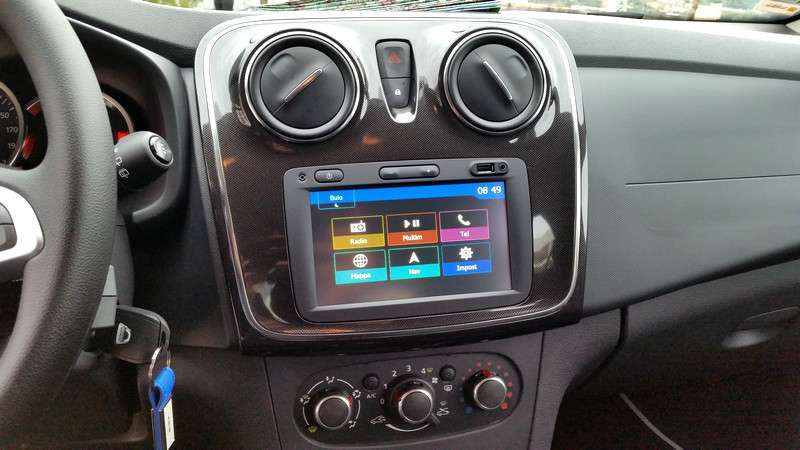 Dacia Sandero 2017 display