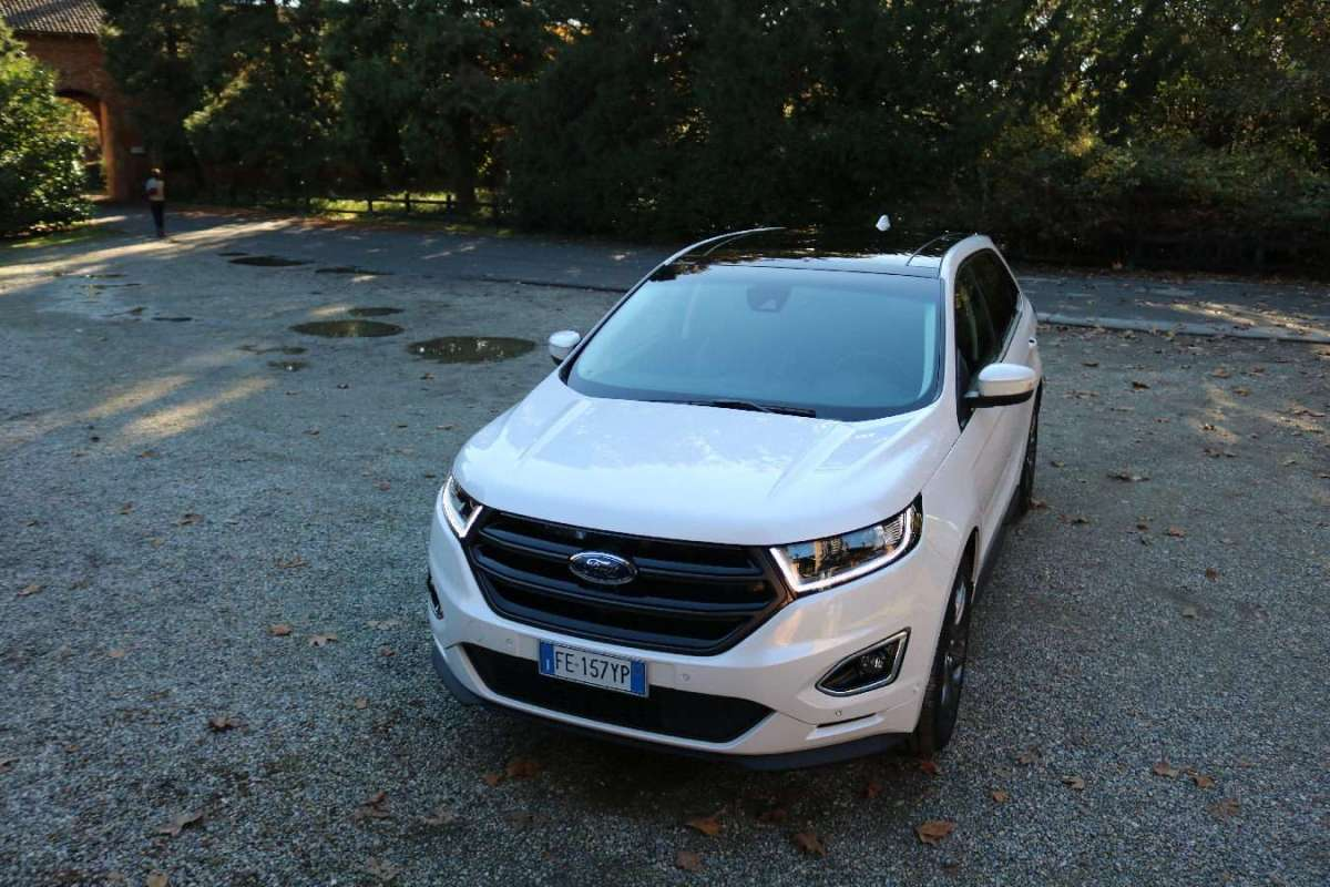 Ford Edge 2016 vista anteriore