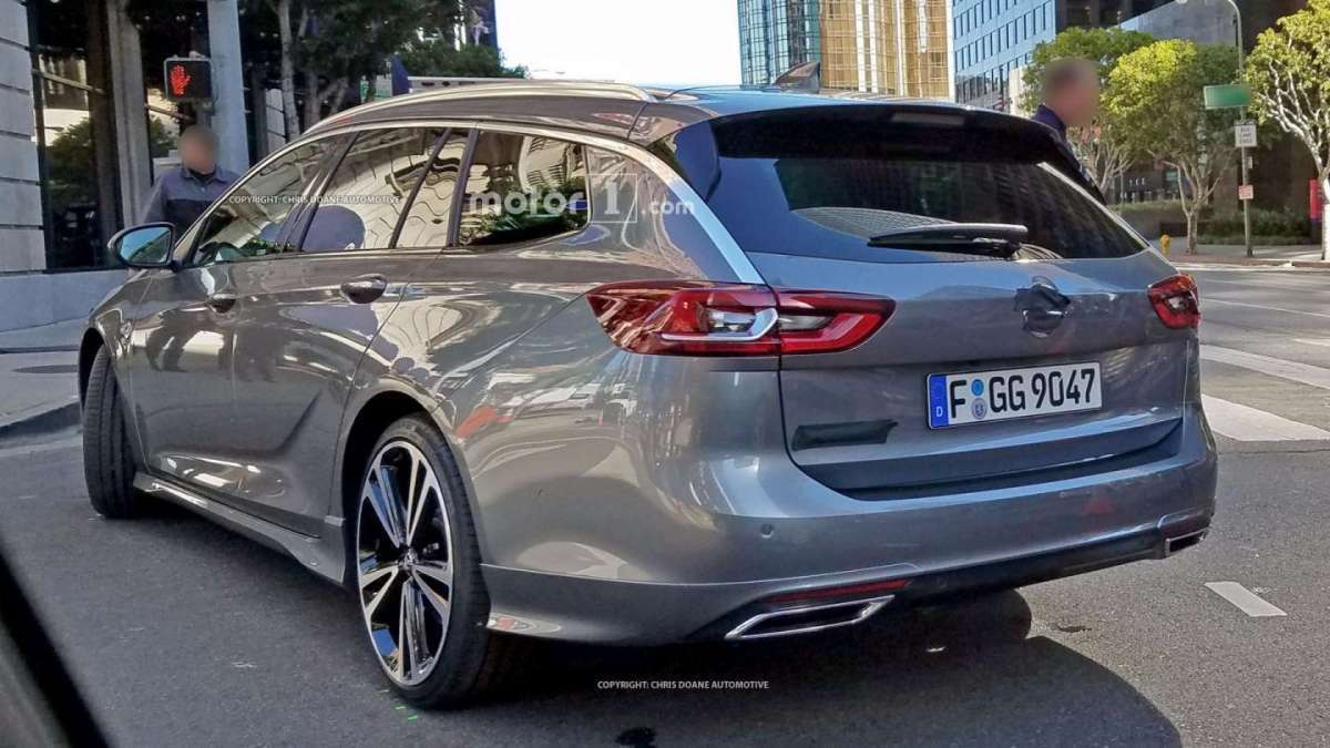 Opel Insignia Sports Tourer posteriore