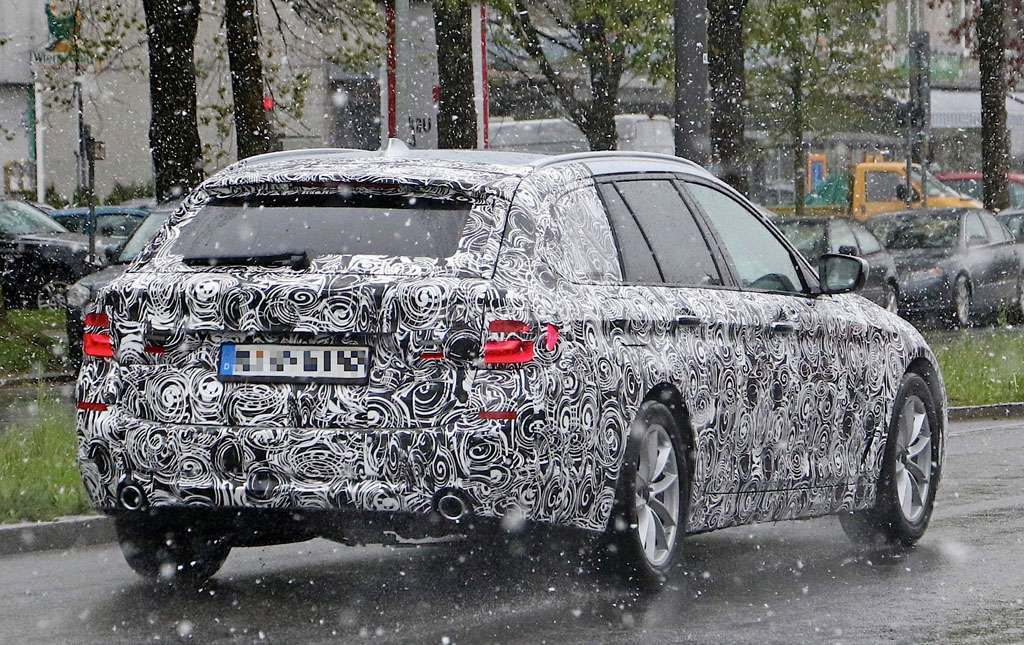 BMW Serie 5 Touring posteriore