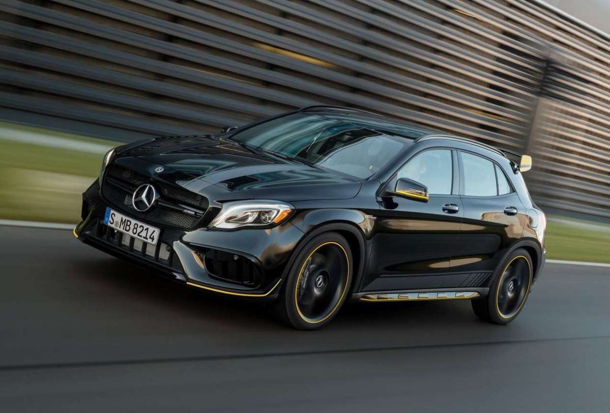 Mercedes GLA 45 Yellow Edition
