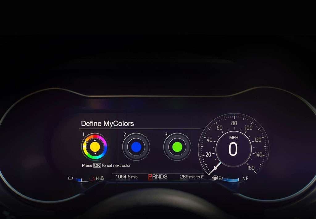 Ford Mustang 2018 cruscotto digitale