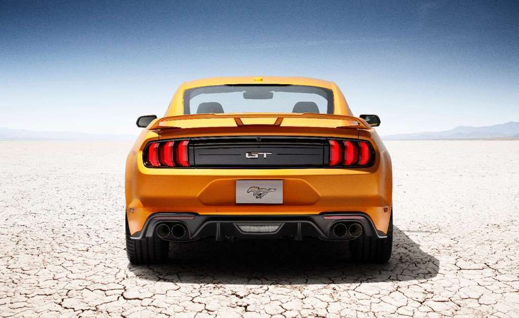 Ford Mustang 2018 design posteriore