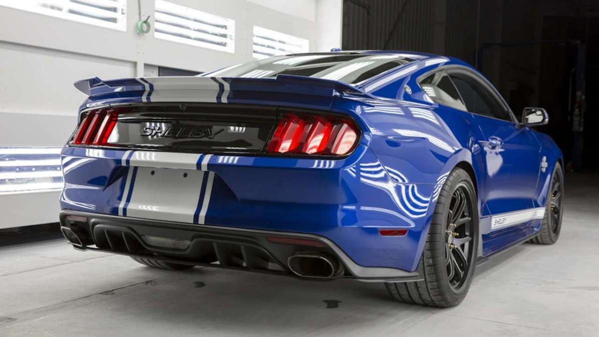 Ford Mustang Shelby 50th Anniversary tre quarti posteriore