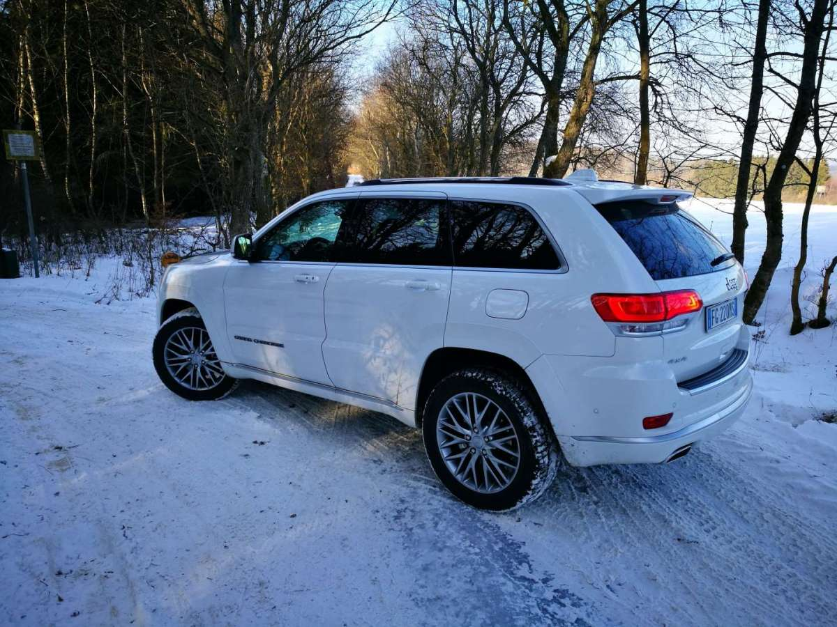 Test drive Jeep Grand Cherokee 2017