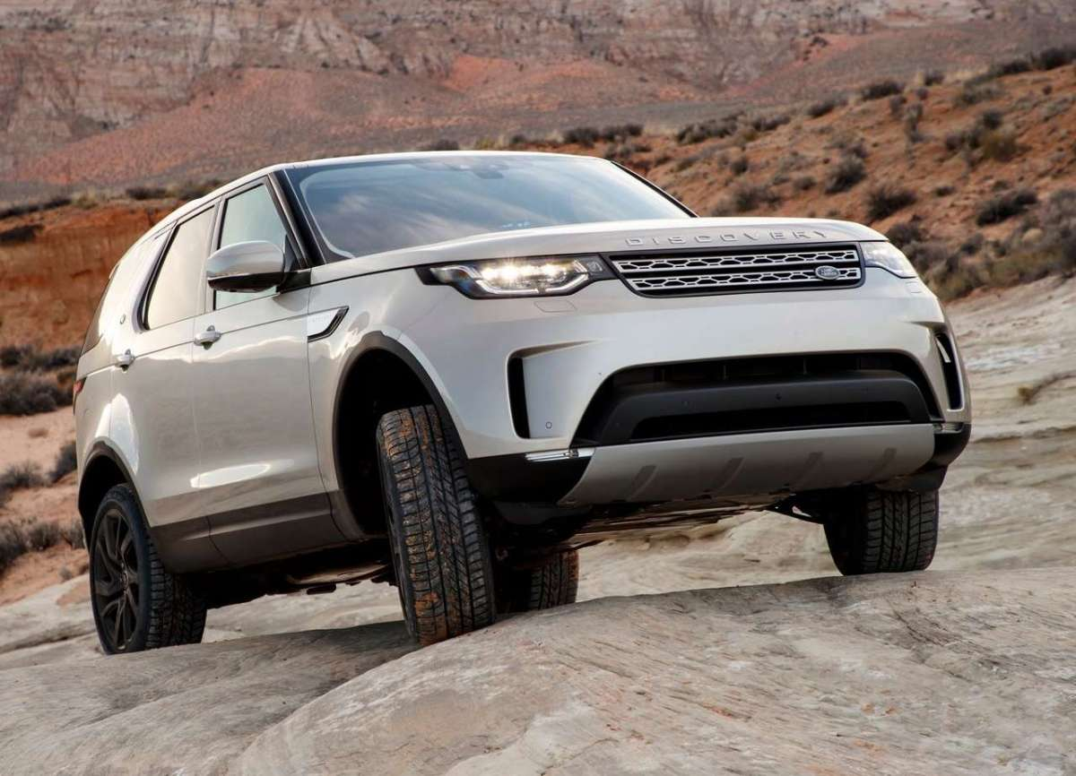 Land Rover Discovery Sd4 2017 allestimenti