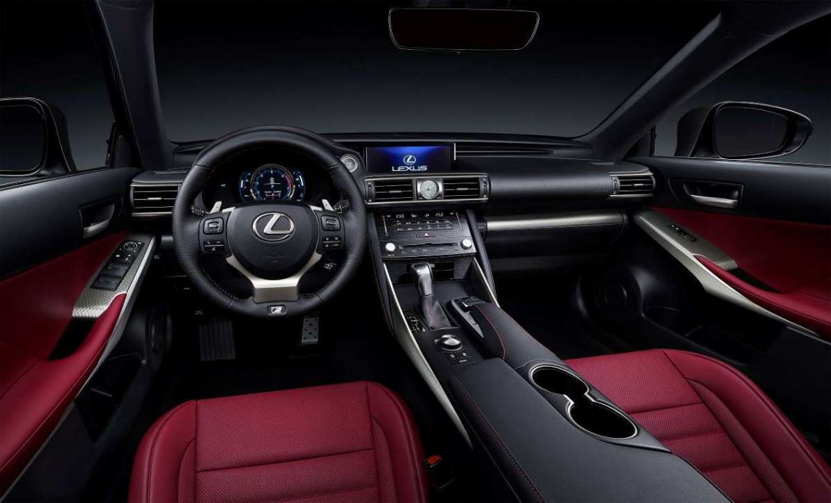 Lexus IS restyling interni