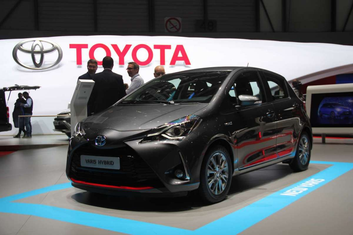 Toyota Yaris restyling LIVE