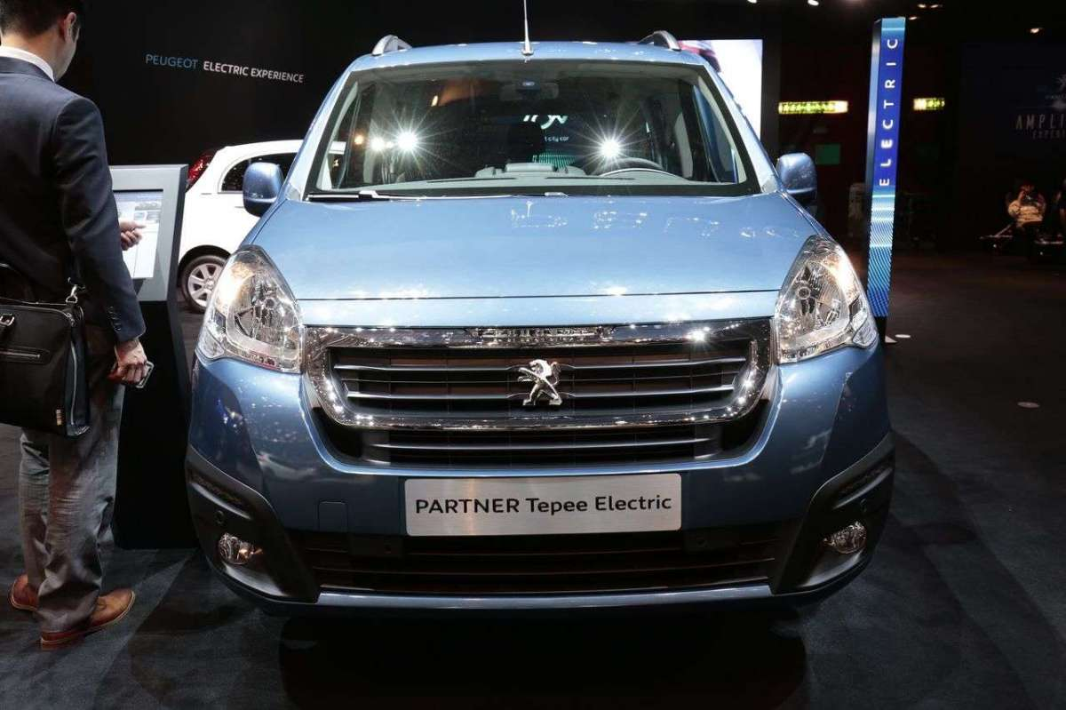 Peugeot Partner Tepee Electric Salone di Ginevra 2017 frontale