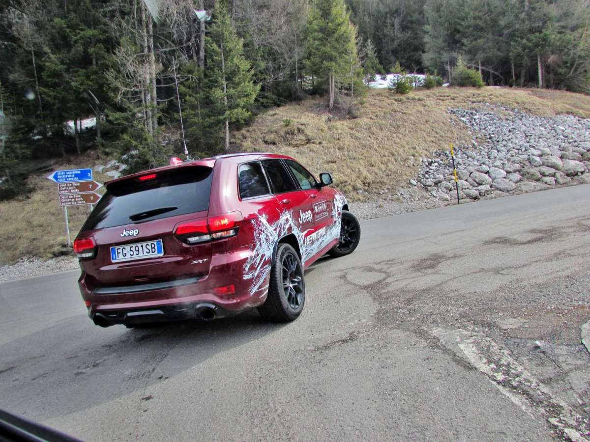 Grand Cherokee SRT in salita