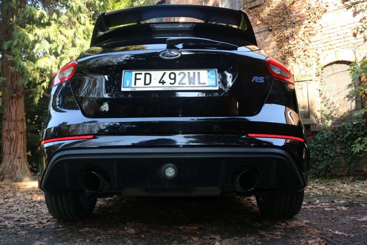 Ford Focus RS vista dal basso