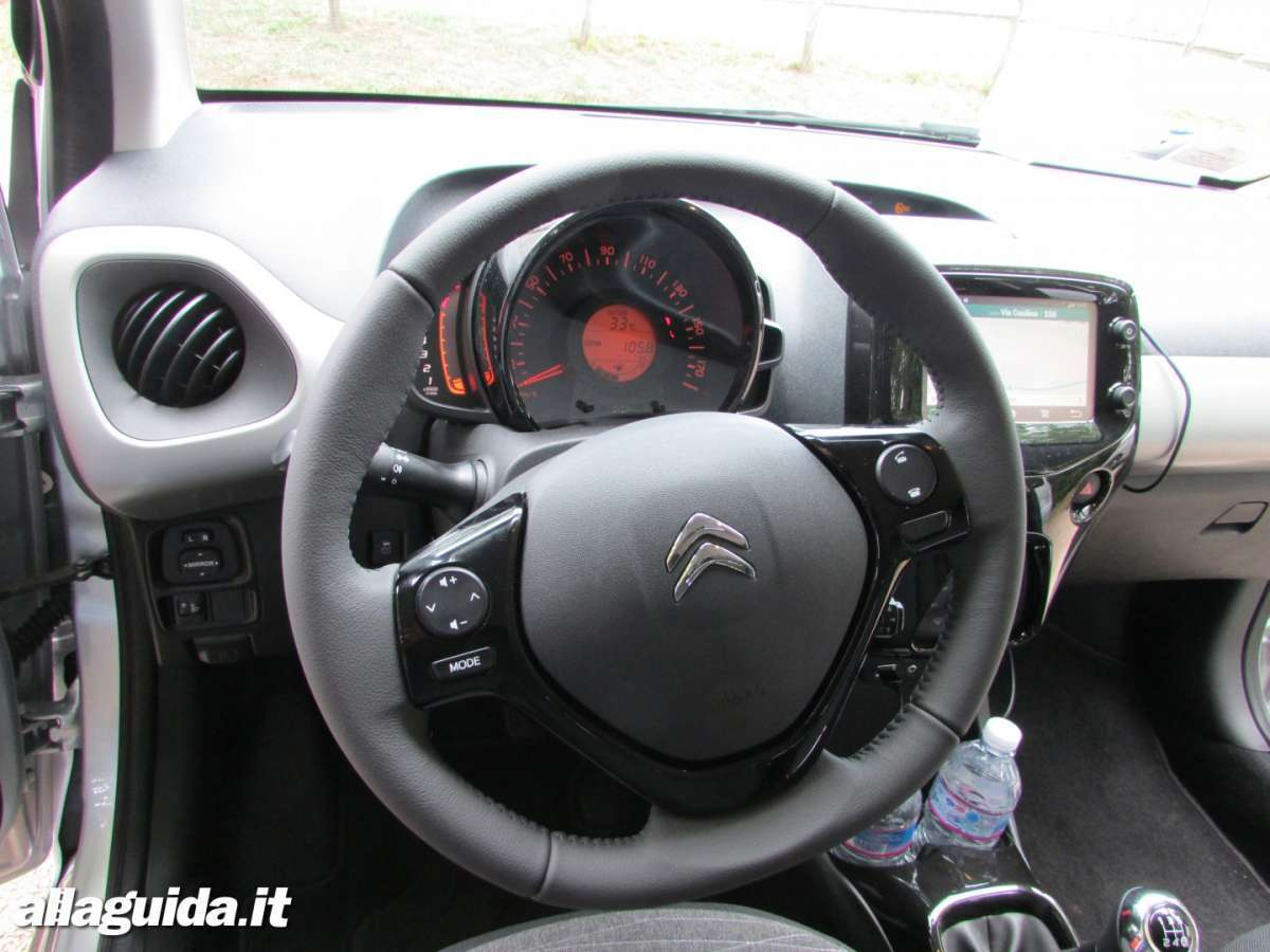 Citroen C1 interni