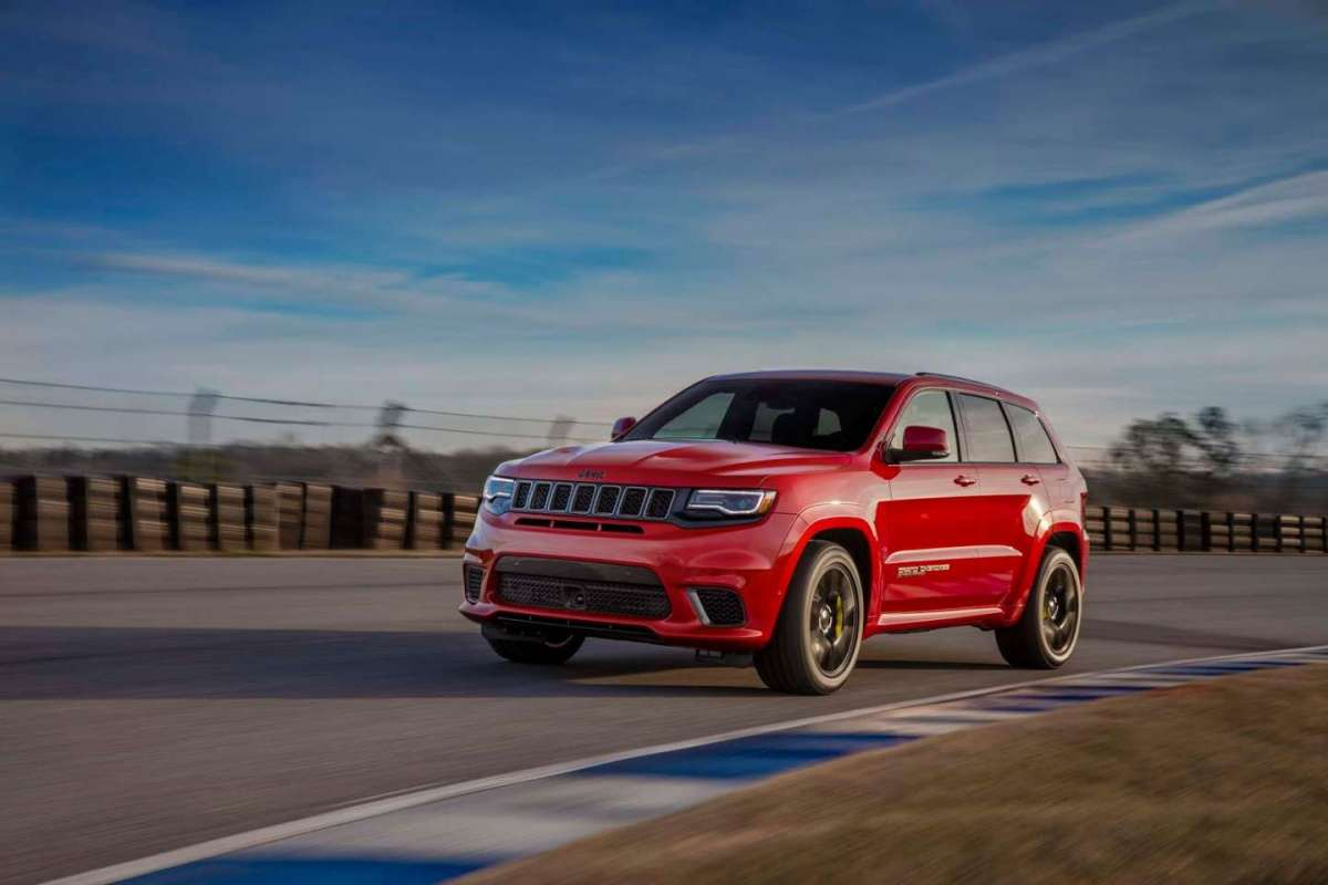 Jeep Grand Cherokee Trackhawk in pista