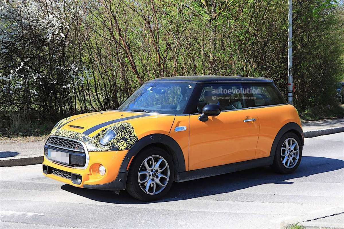 Mini Cooper 2018 foto spia design