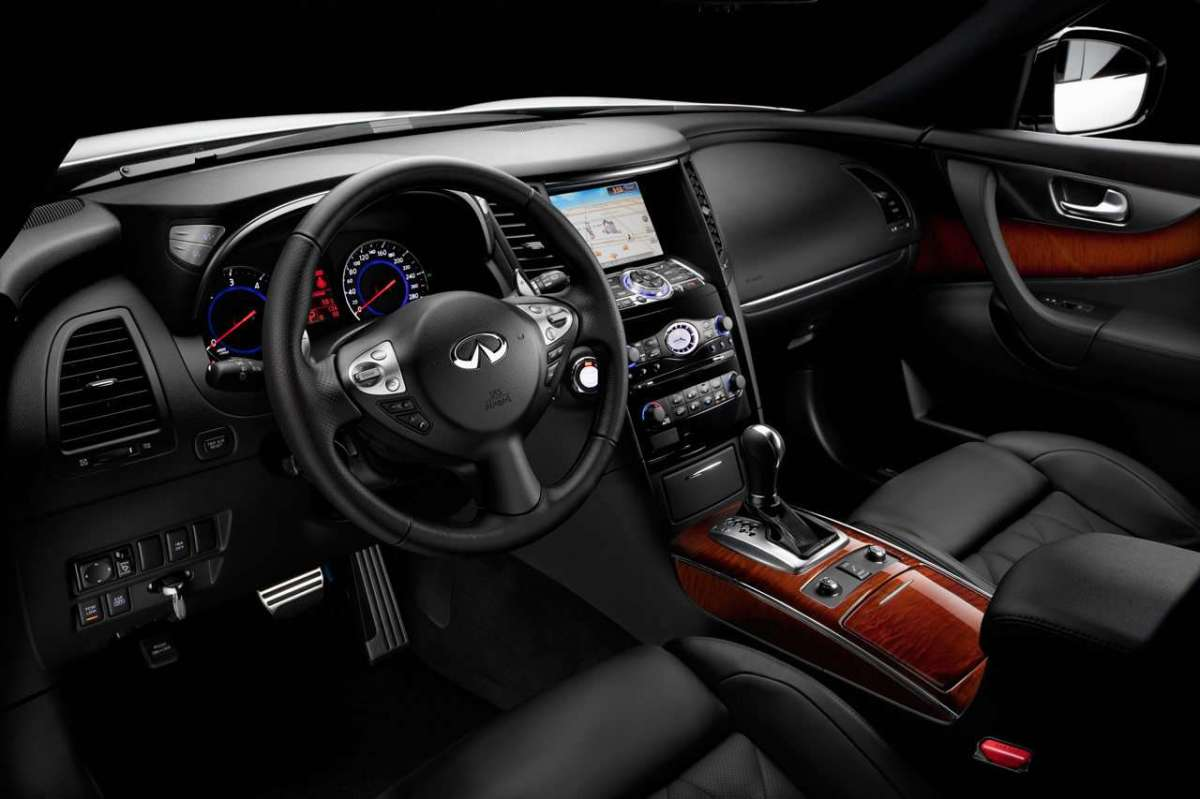 Interni dell'Infiniti QX70