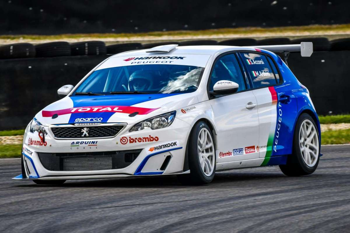 Peugeot 308 Racing Cup guidata da Accorsi
