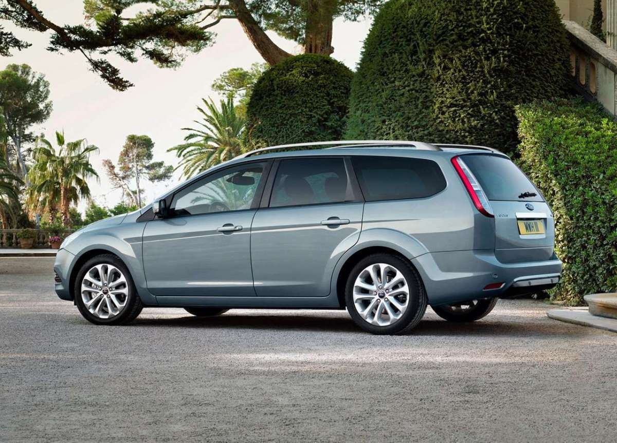 Ford Focus 2008 station wagon posteriore