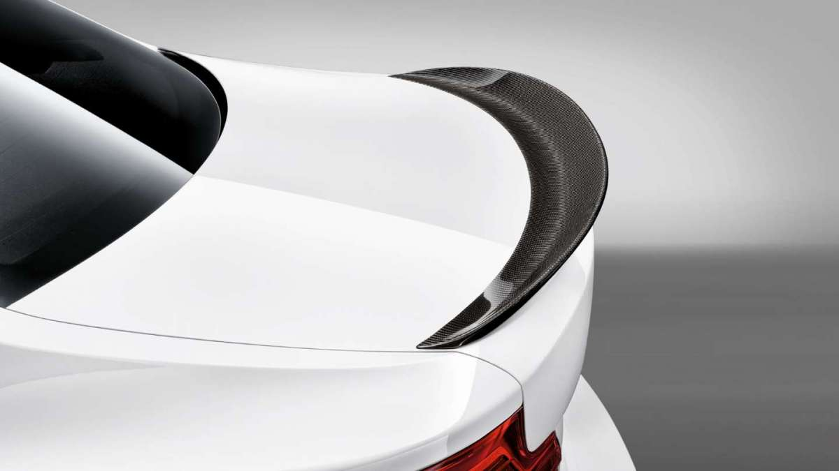 Spoiler in carbonio su BMW M240i M Performance