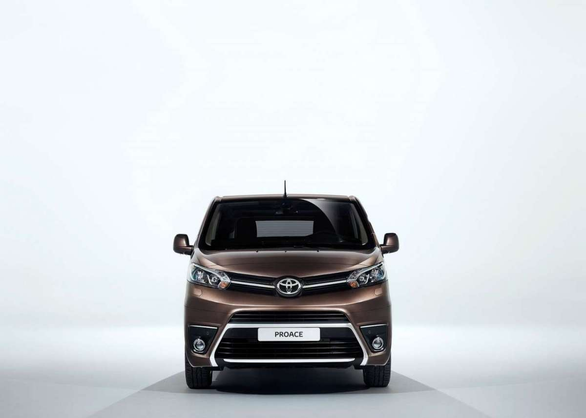 Toyota Proace Verso 2017 frontale