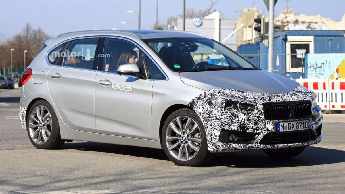BMW Serie 2 Active Tourer 2018 restyling, foto spia