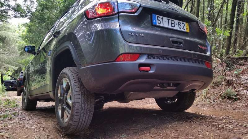 Jeep Compass in offroad