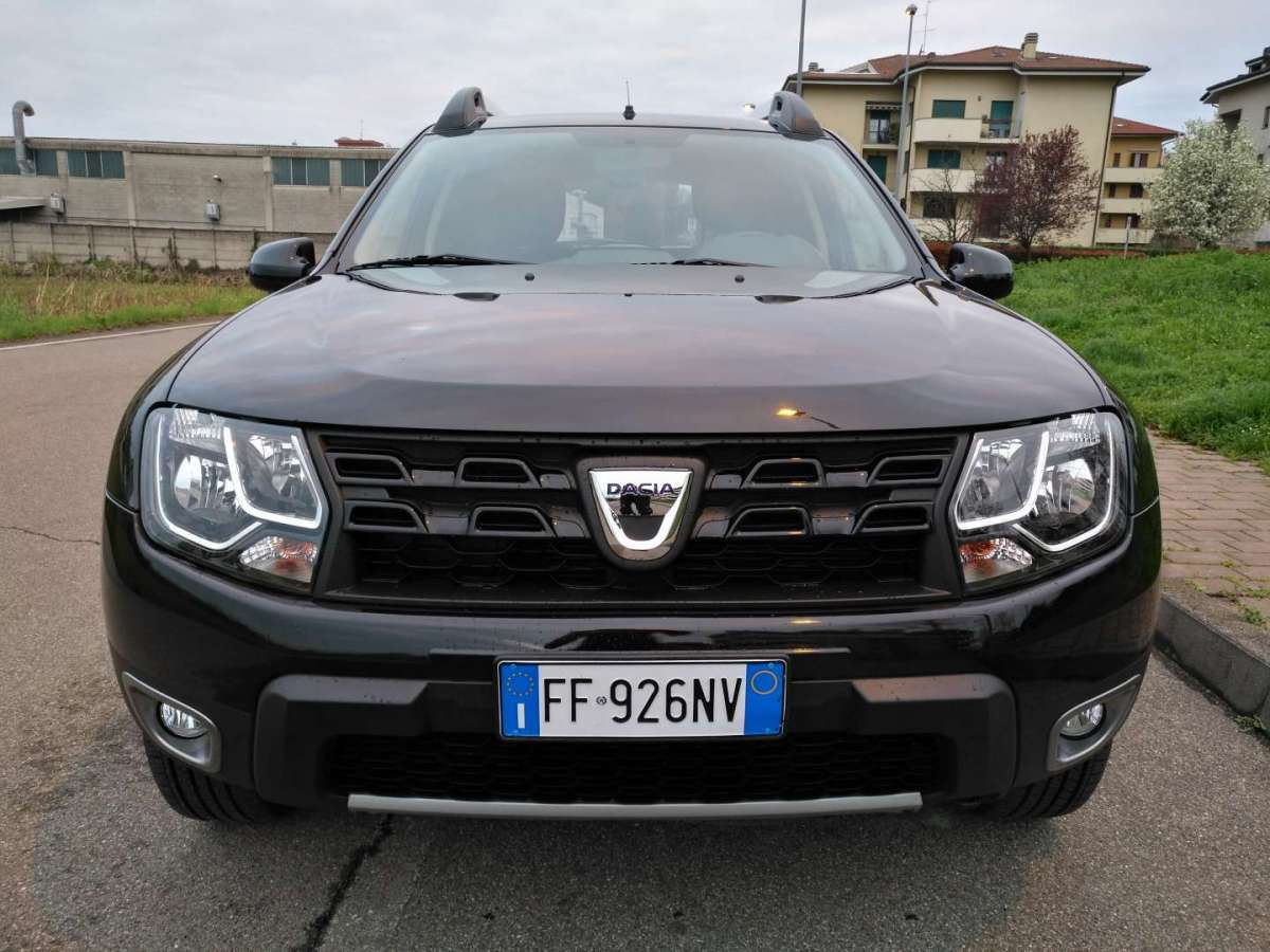 dacia duster black shadow gpl prova su strada foto 6 31 allaguida. Black Bedroom Furniture Sets. Home Design Ideas