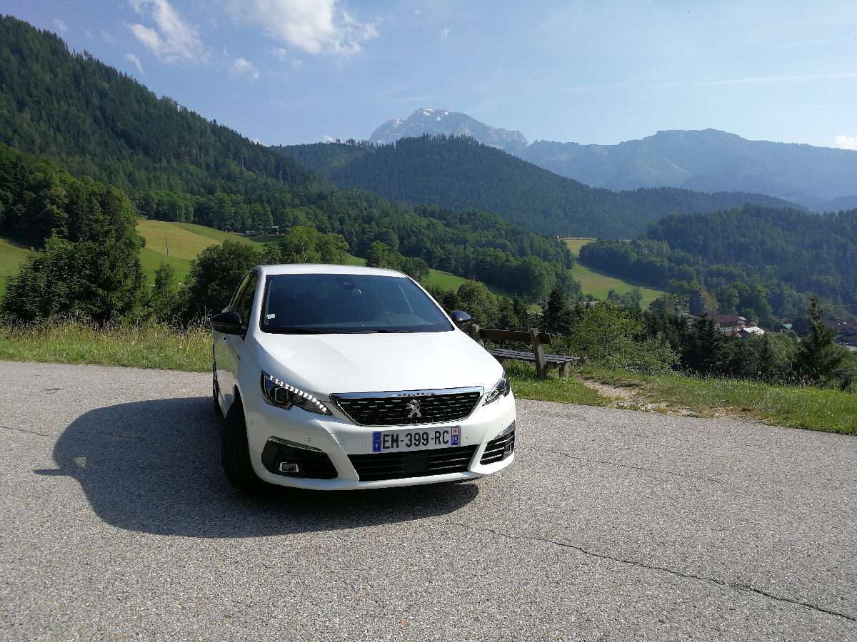 Peugeot 308 2017 frontale