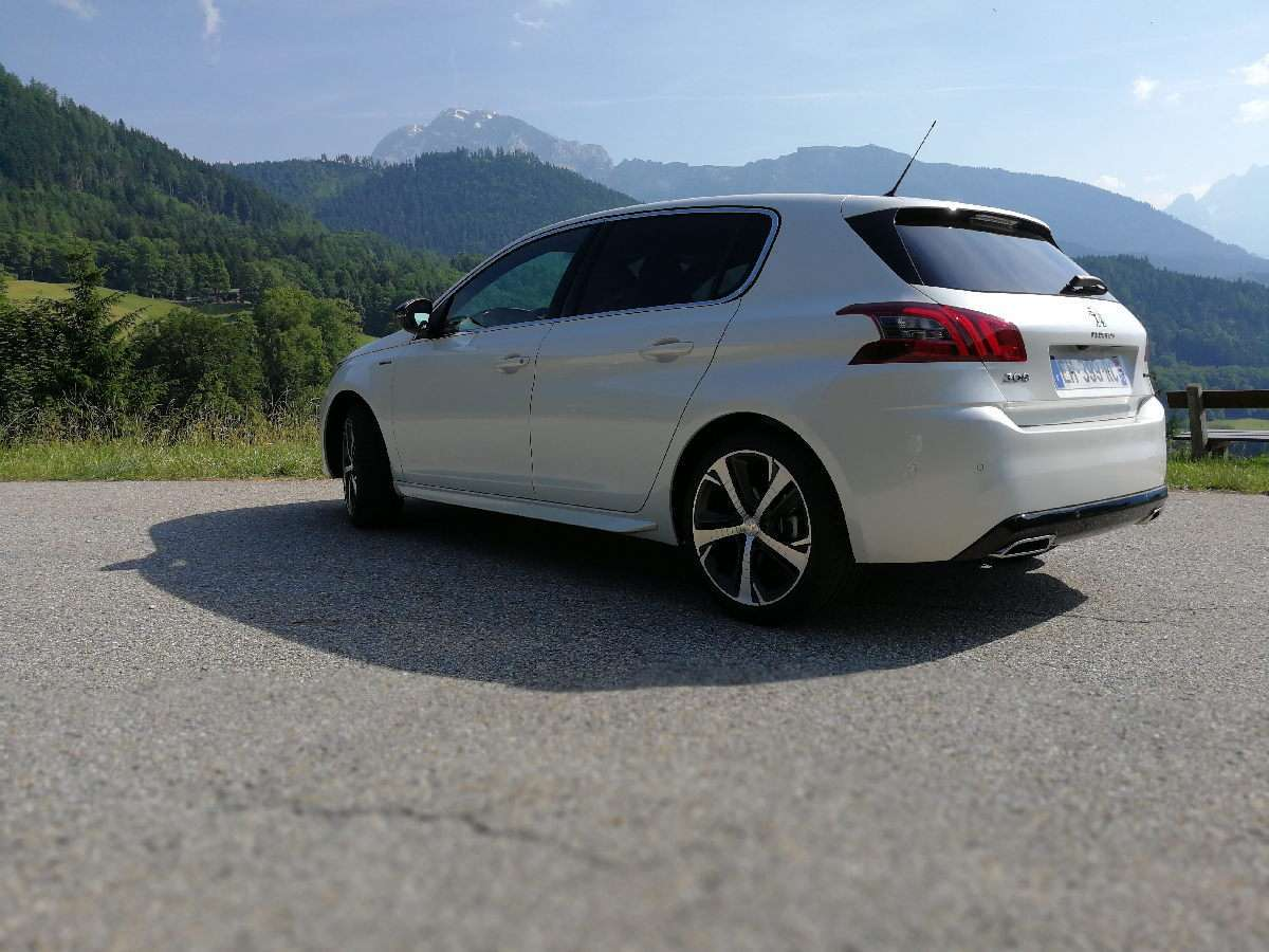 Peugeot 308 2017 laterale posteriore GT Line