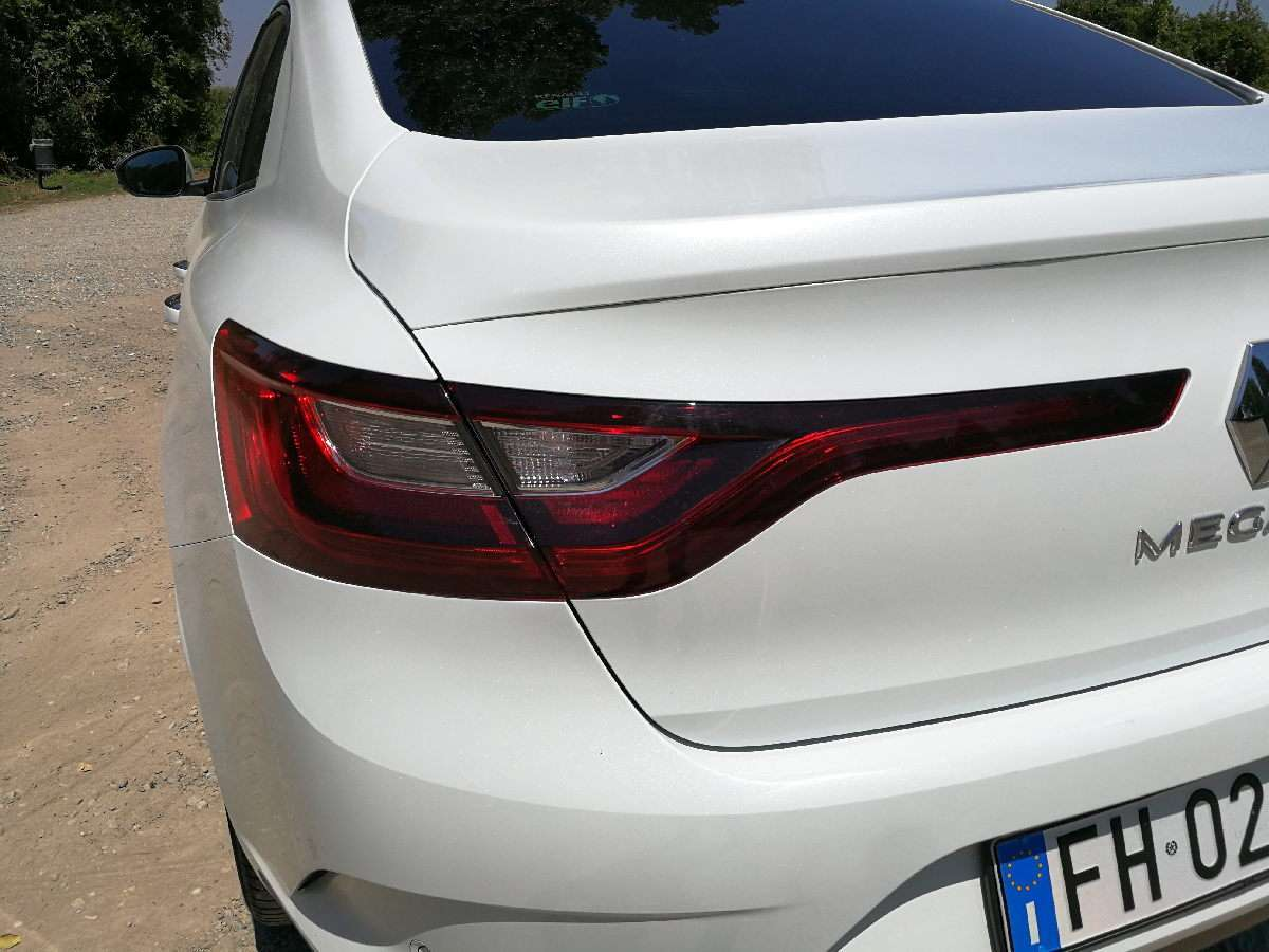 Renault Megane Grand Coupe 2017 fanale