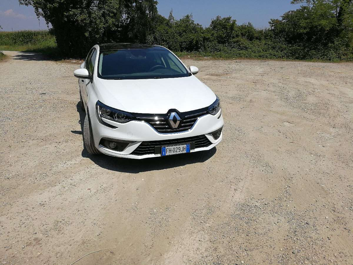 Renault Megane Grand Coupe 2017 frontale