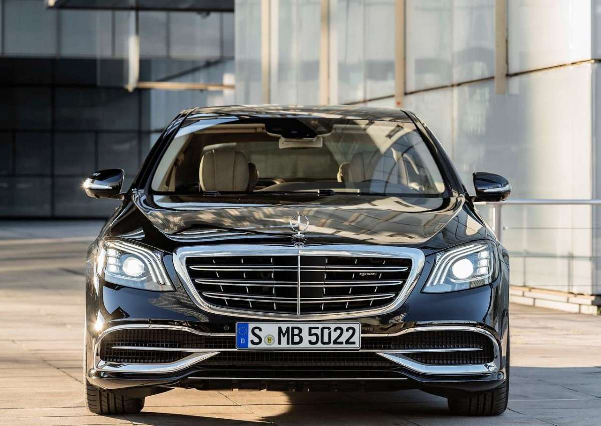 Mercedes-Maybach Classe S 2018, fari Multibeam led