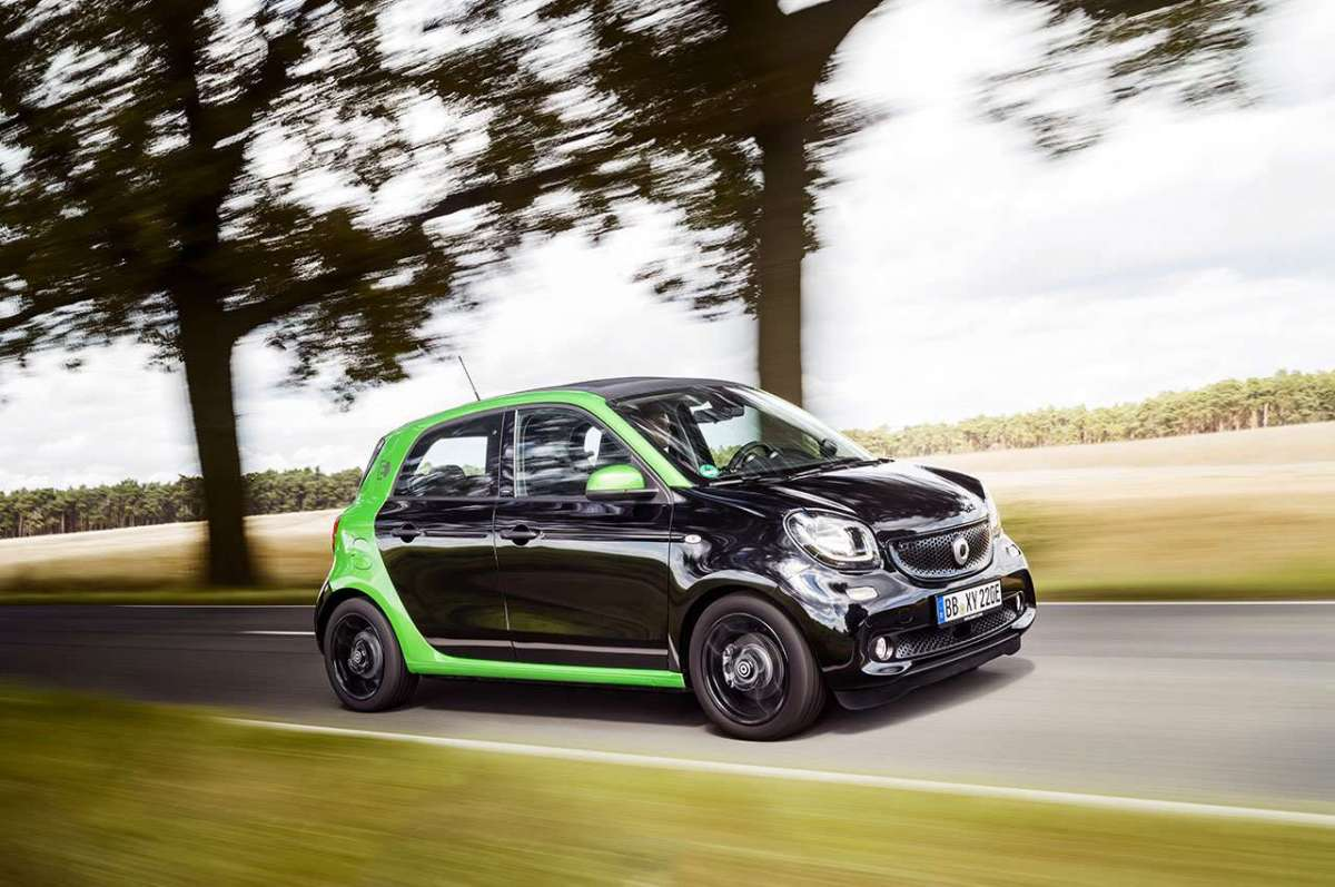 ForFour Electric Drive 2017 nera e verde