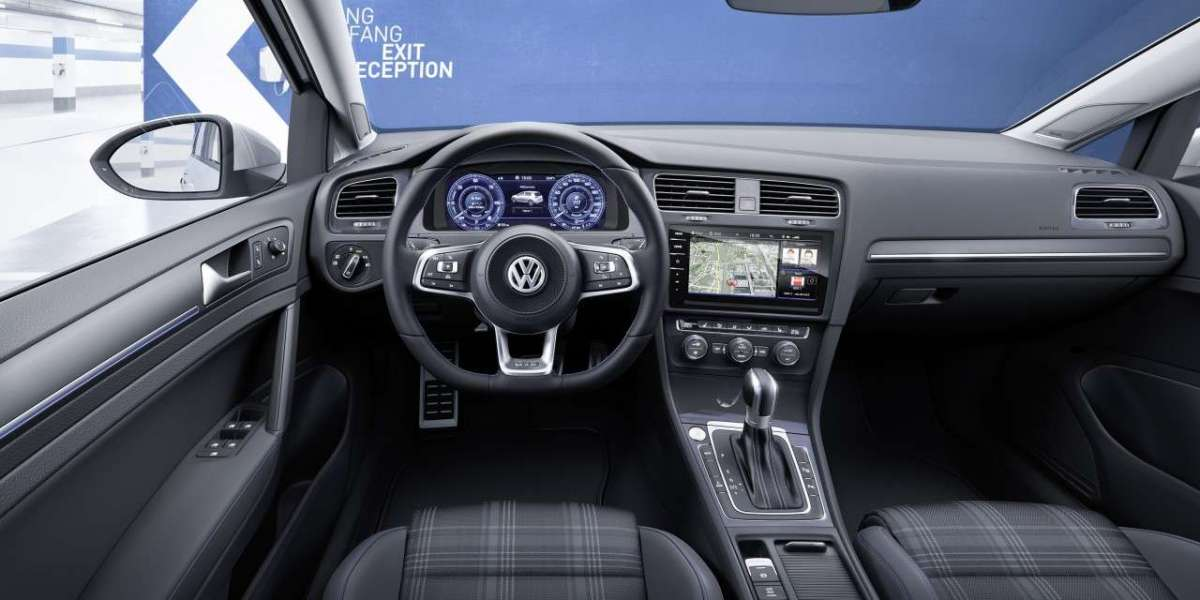 Volkswagen Golf GTE interni