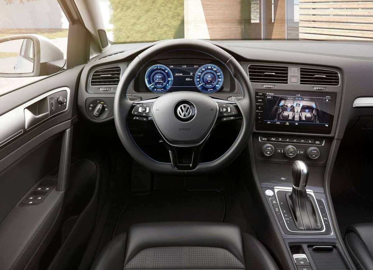 Volkswagen e-Golf interni