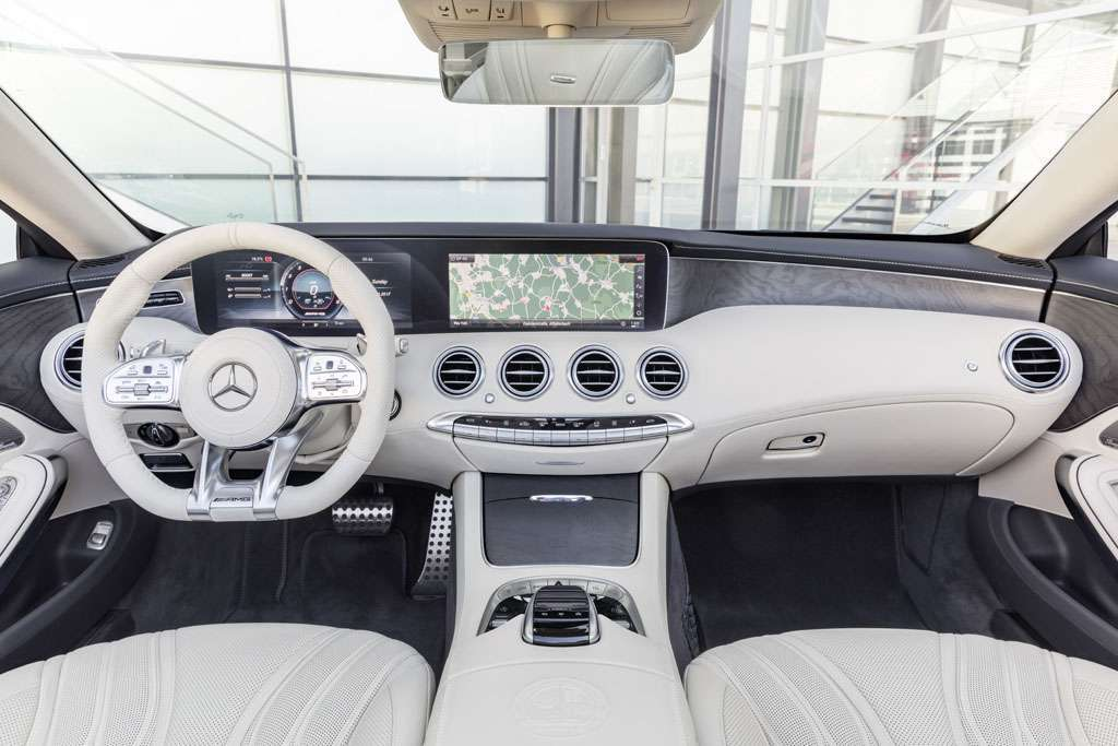 Mercedes AMG S 65 Cabriolet 2018 cruscotto