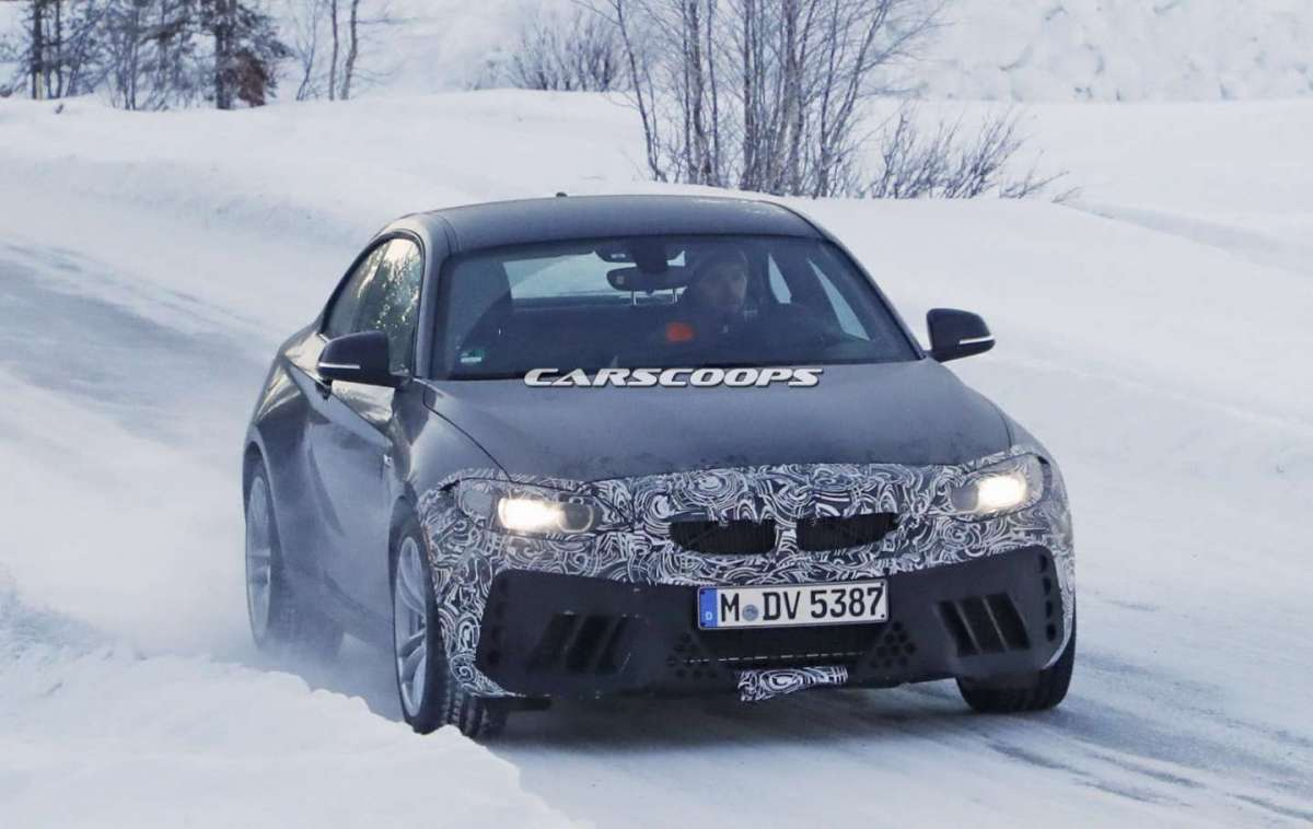 BMW M2 CS 2018: foto spia