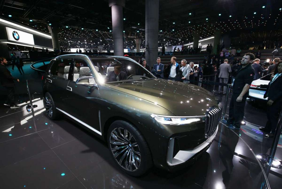 BMW X7 iPerformance Concept al Salone di Francoforte 2017 (1)