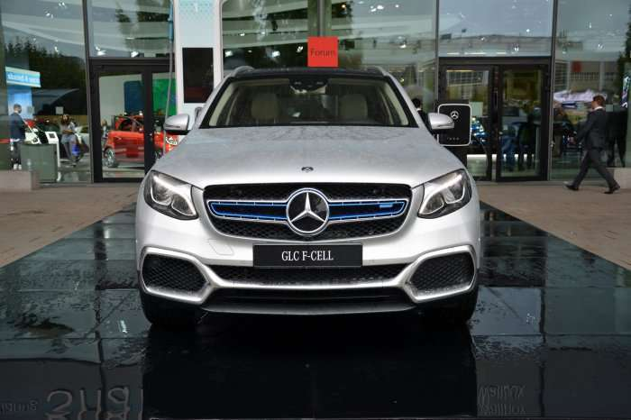 Mercedes GLC fuel cell anteriore