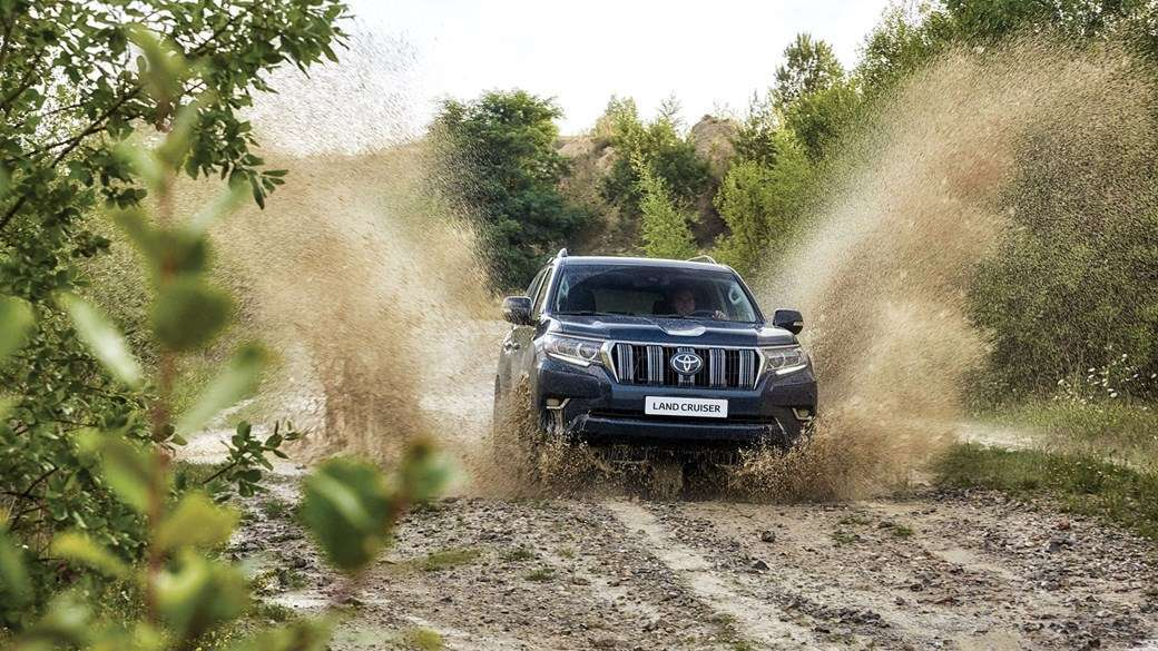 Land Cruiser 2018 in offroad