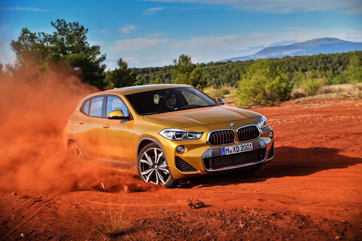 BMW X2 due ruote motrici