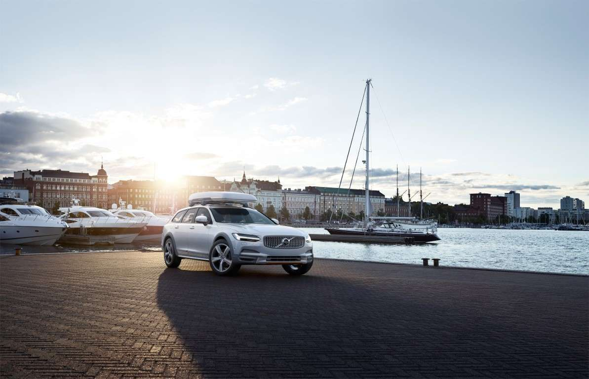 Motori di Volvo V90 Cross Country Ocean Race